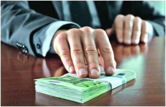Де взяти кредит готівкою без трудової книжки?